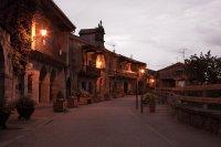 Atardeder en la calle principal de Riocorvo